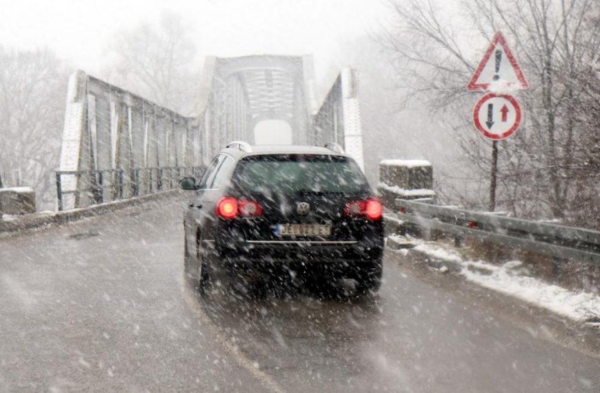 U CRNOJ TRAVI PROGLAŠENA VANREDNA SITUACIJA: Mećava ne prestaje, visina snežnog prekrivača oko 50 centimetara