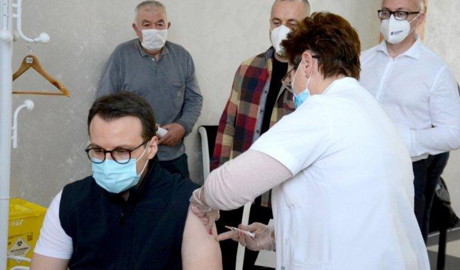 PETKOVIĆ I PREDSTAVNICI SRPSKE LISTE primili vakcinu protiv Kovida-19! Evo gde mogu da se vakcinišu svi sa KiM/FOTO/