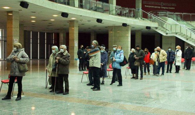 SRBIJA POBEDNIK NA TESTU EFIKASNOSTI DRŽAVE! Slovenačko Delo pohvalilo našu zemlju zbog vakcina: Čak i članice EU zaostaju za Srbijom!