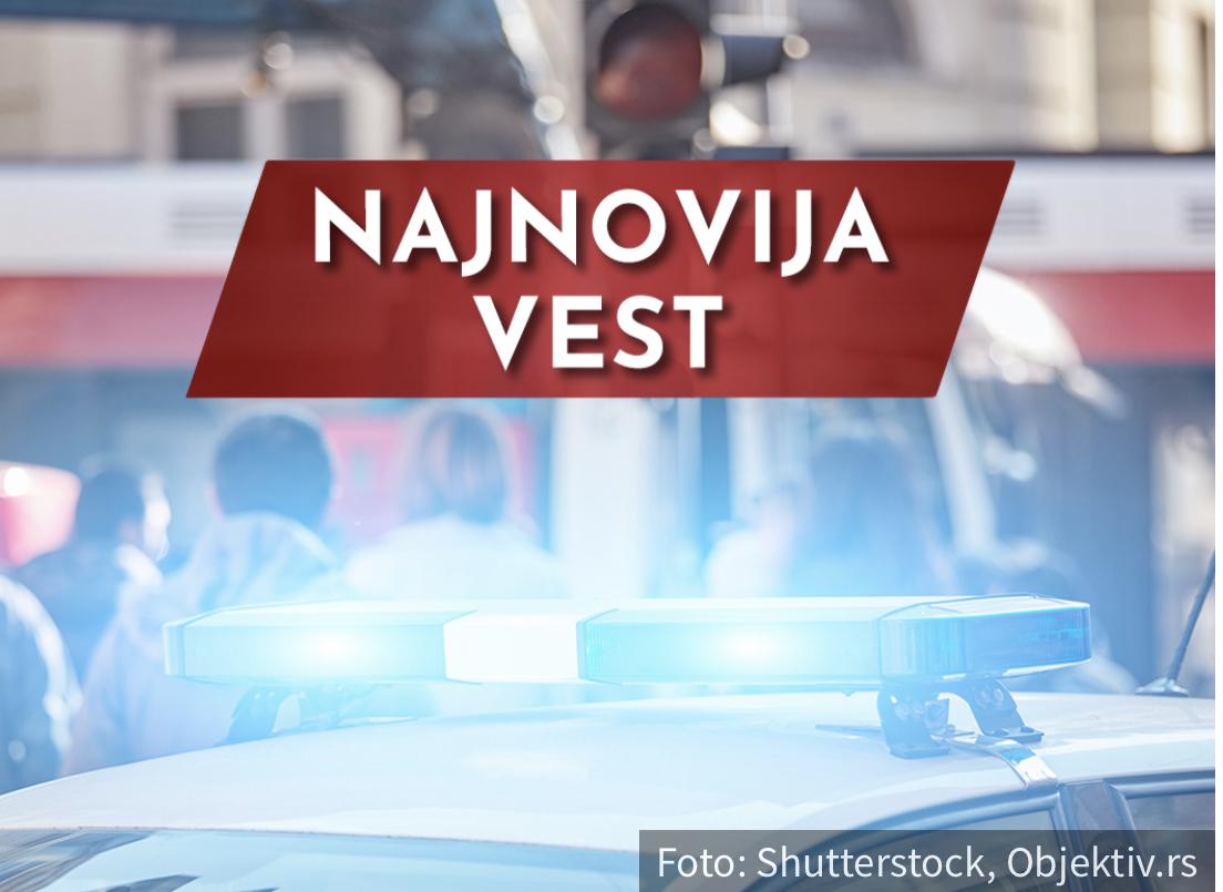 Nesreća na auto-putu kod Stare Pazove: Od siline sudara, jedan auto završio u NJIVI
