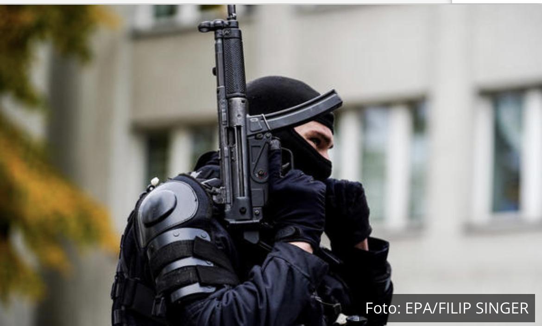 NEMAČKA POLICIJA BRUTALNO UDARILA NA ARAPSKI KLAN: Mafijaši koristili bizaran način transportovanja narkotika! (VIDEO)