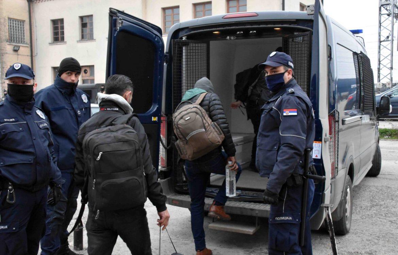 Sin AMBASADORA švercovao MIGRANTE: Ljude prevozio u diplomatskom vozilu