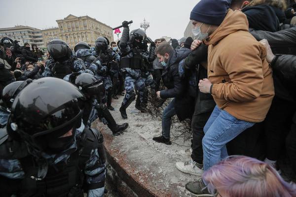 ŠTA JE BORELJ NAPISAO U BLOGU O POSETI MOSKVI: Od Lavrova sam tražio hitno puštanje Navaljnog, Rusija se više udaljava od Evrope