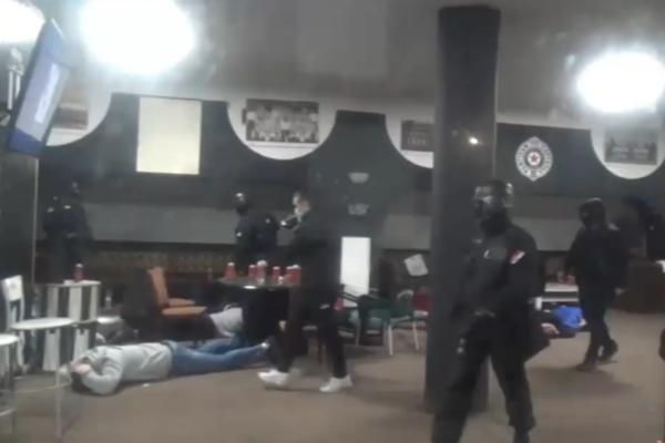 OVAKO JE POLICIJA UPALA NA STADION PARTIZANA: Specijalci su izvršili napad na navijačku tvrđavu u 5 ujutru (VIDEO)