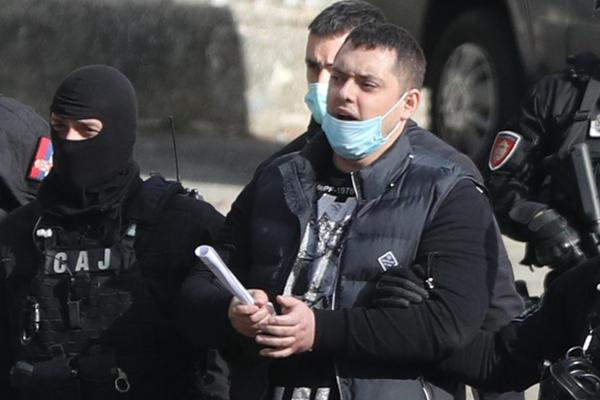 MINISTAR VULIN ZA SUTRA NAJAVIO NOVI UDARAC VELJINOJ GRUPI: Istraga se širi, dosad nađeno 30 različitih lokacija