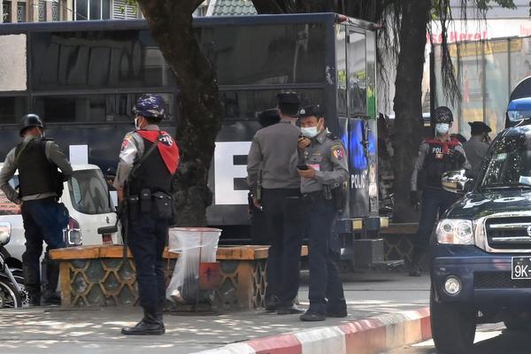 VOJSKA PREUZELA VLAST U MJANMARU: Uhapšeni visoki vladini funkcioneri, proglašeno vanredno stanje! (VIDEO)