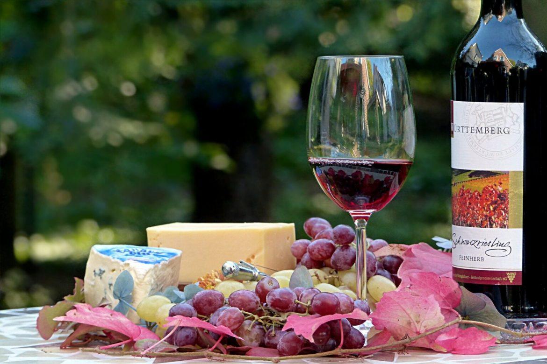 Stručnjaci tvrde: Sir i vino pomažu u sprečavanju DEMENCIJE, ali samo pod jednim uslovom