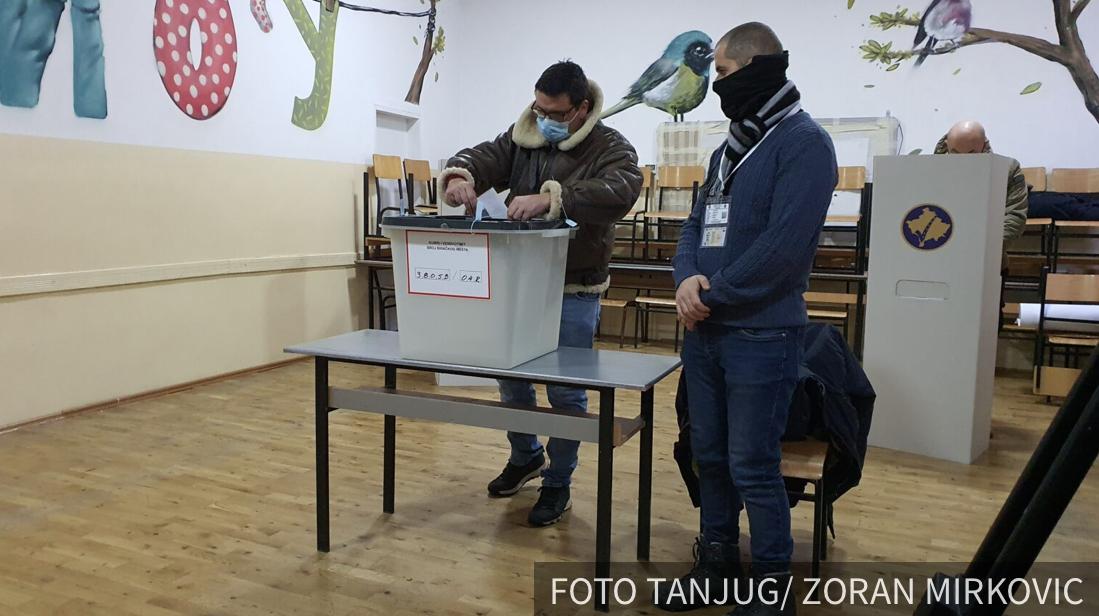 PRVI preliminarni rezultati CIK: Na izborima na KiM vodi Pokret Samoopredeljenje