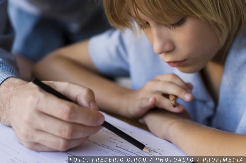 Zašto je britanski soj virusa IZUZETNO OPASAN: Sve više dece zaraženo koronom, a simptomi se javljaju ovim redosledom