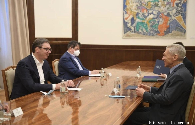 VUČIĆ SE SASTAO SA HARČENKOM: Predsednik razgovarao sa ruskim ambasadorom