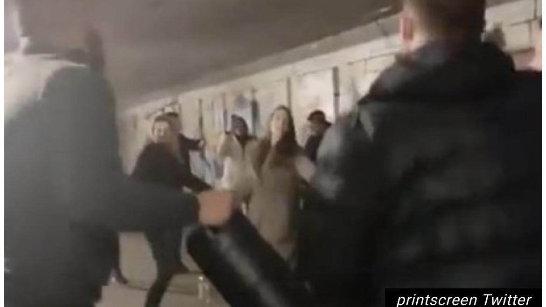NEĆE GARA DA PRIMI VAKCINU! Beograd najveće žarište korone, a studenti IGRAJU KOLO U PODZEMNOM PROLAZU! PORAŽAVAJUĆI SNIMAK! Video