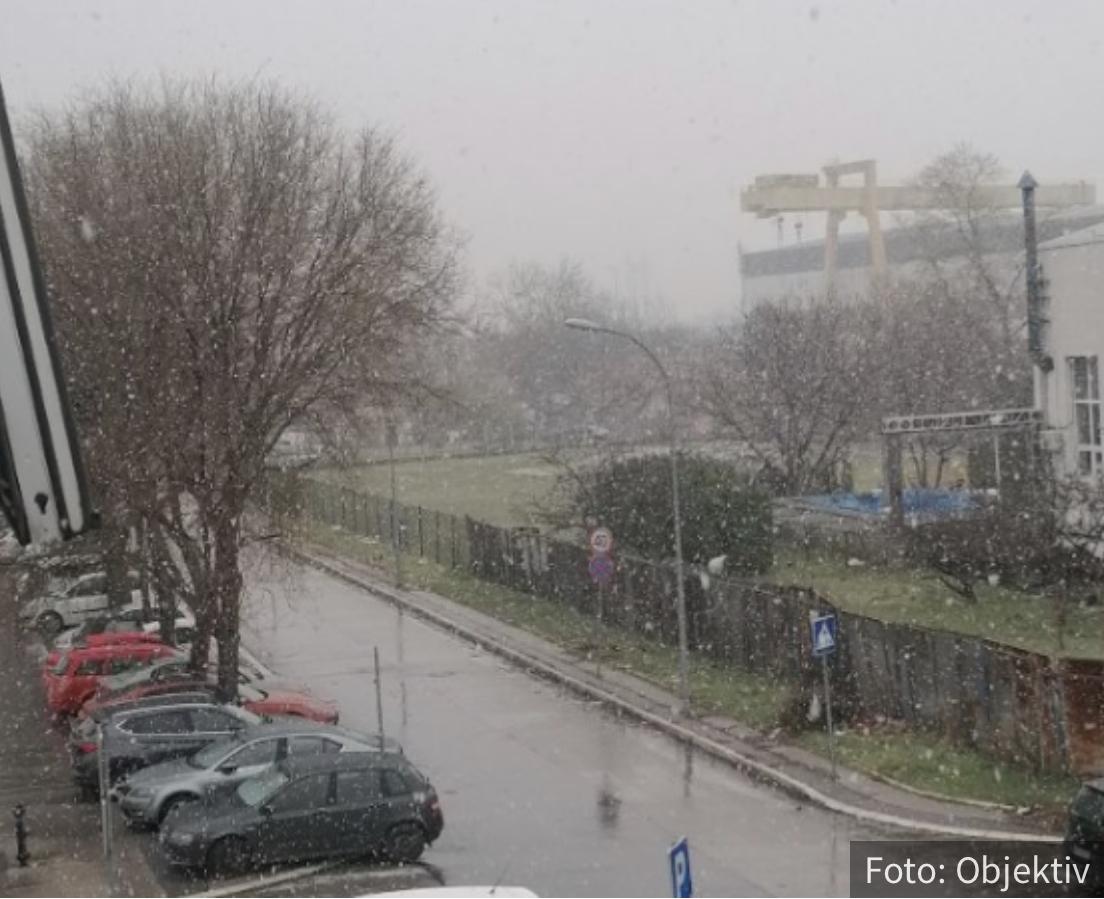 U Beogradu pada SNEG! Pogledajte kako veje u srpskoj prestonici (VIDEO)
