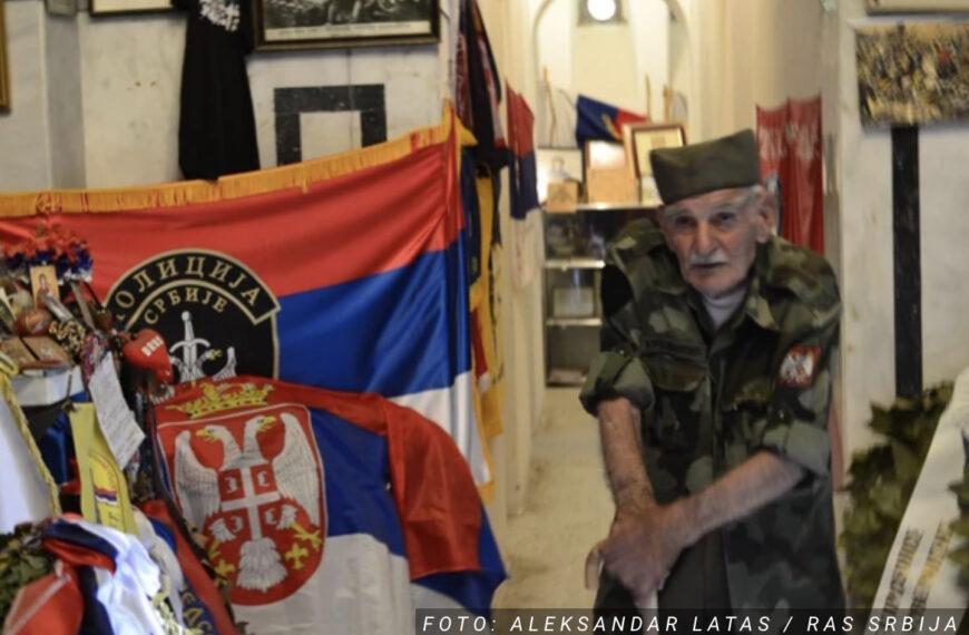 Deda Đorđe Mihailović VIŠE OD POLA VEKA čuva groblje na ZEJTINLIKU, a sada se o njegovom životu SNIMIO I FILM