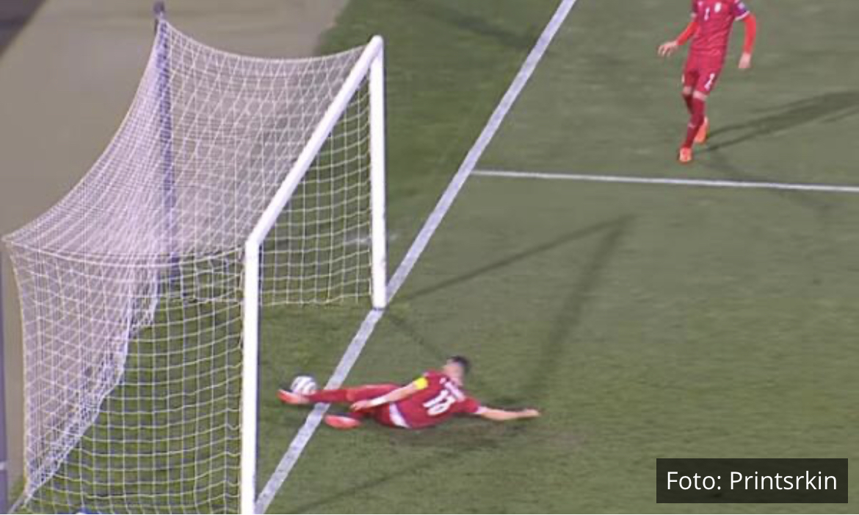 """BRAVO! Kopačke kojima je Stefan Mitrović """"poništio"""" Ronaldov gol na aukciji za malog Gavrila!"""