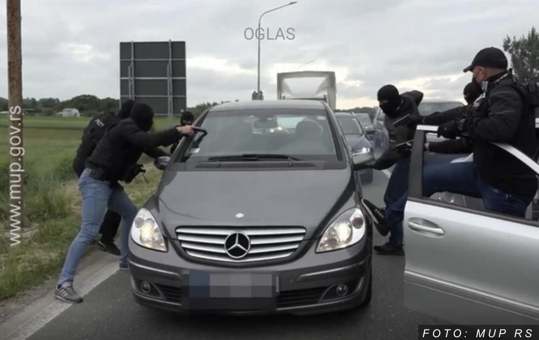 HOLIVUDSKA AKCIJA U SRBIJI Pao sa 3 kilograma kokaina (VIDEO)