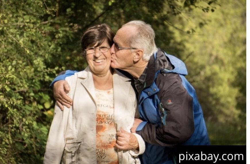 ZAŠTO SE SRBI LJUBE TRI PUTA? Treći poljubac je NAJBITNIJI, ali to RETKO ko zna!