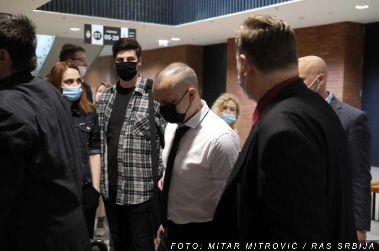 NAPETO NA SUĐENJU MARJANOVIĆU Veštaci se tri sata raspravljali oko Zoranovog telefona, ON SVE MIRNO PRATIO
