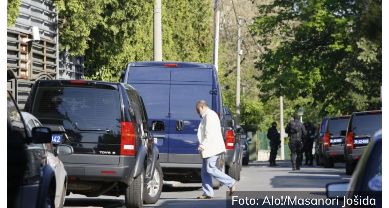 ZORAN PUCAO U SUPRUGU, PA U SEBE Haos i policijske jedinice na ulicama Prokuplja