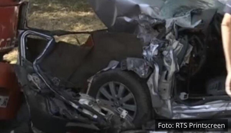 JEZIVI PRIZORI S MESTA STRAVIČNE NESREĆE U SMEDEREVU: 3 poginula u sudaru s Lastinim autobusom, od kola nije ostalo ništa (FOTO)