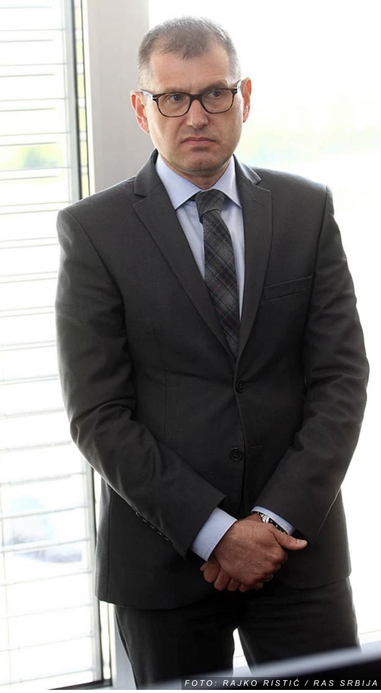 UŠAO NA SPOREDNI ULAZ Direktor policije Vladimir Rebić stigao u tužilaštvo da svedoči u slučaju koji se vodi protiv Gorana Papića