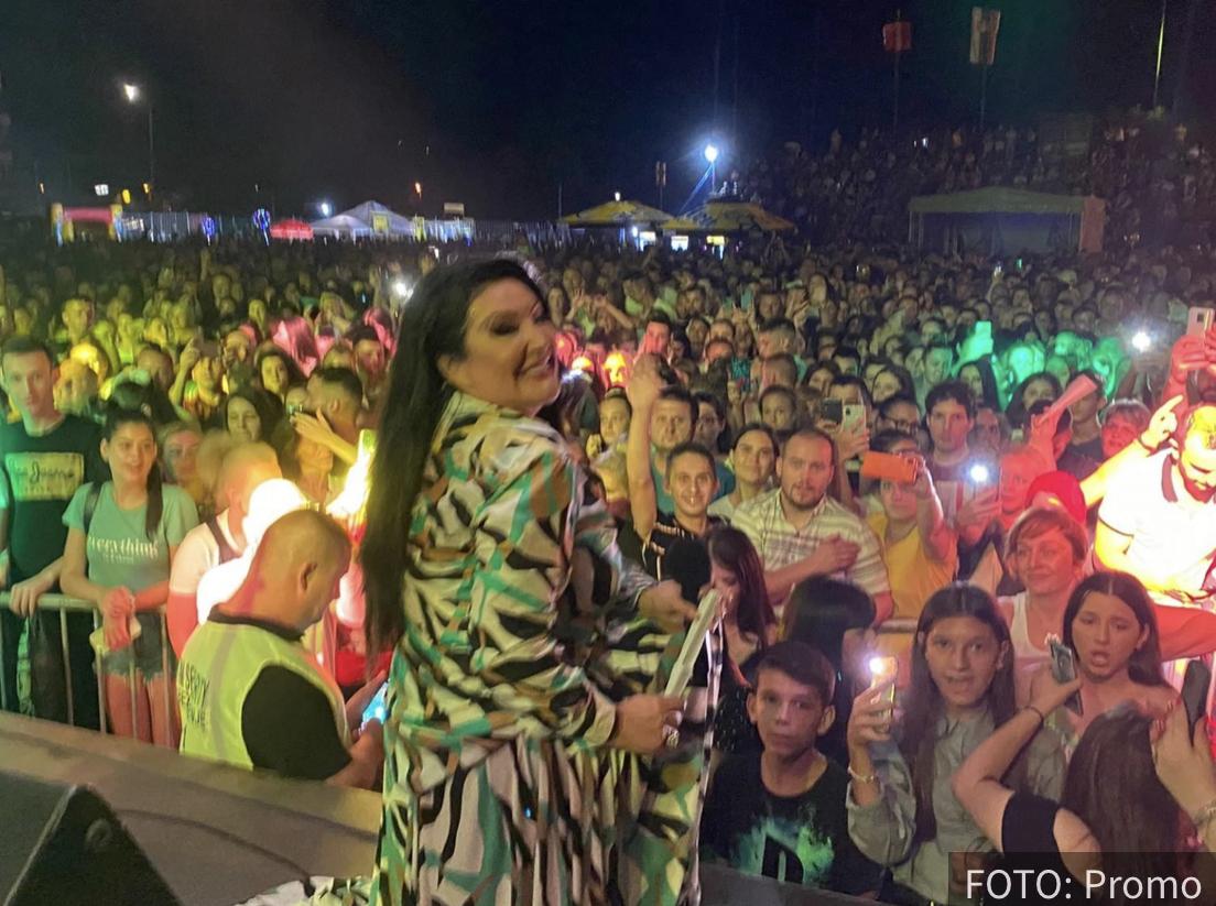 Dragana Mirković spojila celu bivšu JUGOSLAVIJU: Koncert za PAMĆENJE! (FOTO+VIDEO)