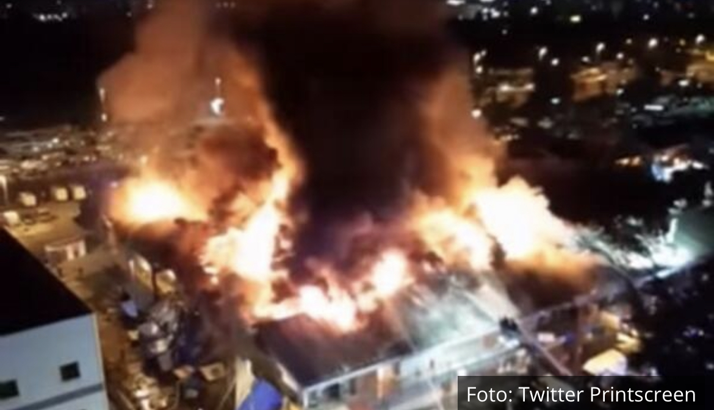 JEZIV SNIMAK POŽARA U BLOKU 70 Tek iz vazduha vide se razmere katastrofe s kojom su se borili vatrogasci! Požar pod kontrolom