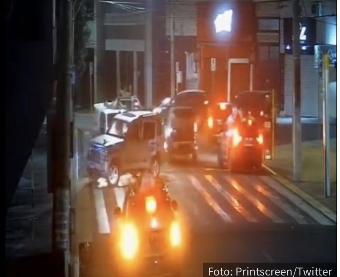 Filmska pljačka u Brazilu: Napali nekoliko banaka, VEZALI TAOCE za automobile kojima su bežali (VIDEO)