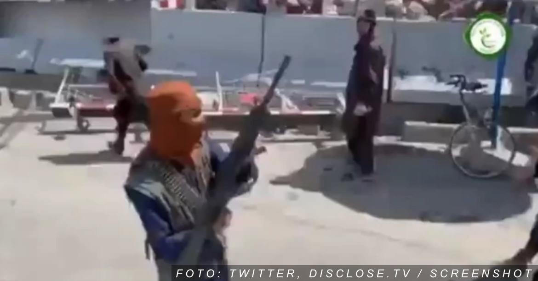TALIBANI PUCAJU NA AERODROMU Islamisti ispaljuju hice, narod u panici beži (VIDEO)