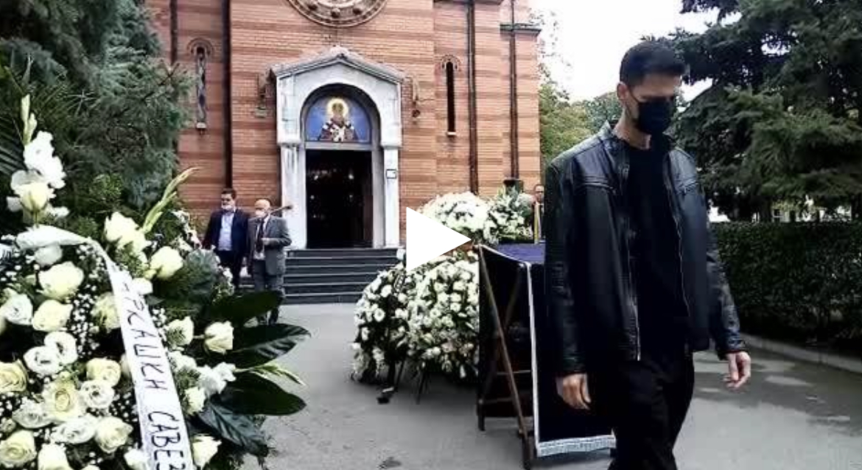 POSLEDNJE ZBOGOM LEGENDARNOM TRENERU: Žoc stigao na Novo groblje, tu je i čuveni grčki košarkaš Vasilis Spanulis (VIDEO)