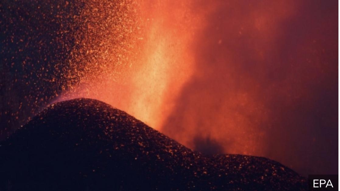 KATASTROFA NA KANARSKOM OSTRVU Urušio se deo vulkana, povećava se protok lave prema moru (VIDEO)