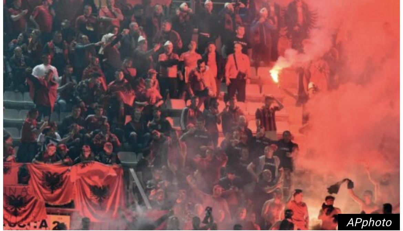 VELIKI INCIDENT! PREKINUT meč Srba i Albanaca zbog nereda na tribinama! Sudija pogođen FLAŠOM U GLAVU