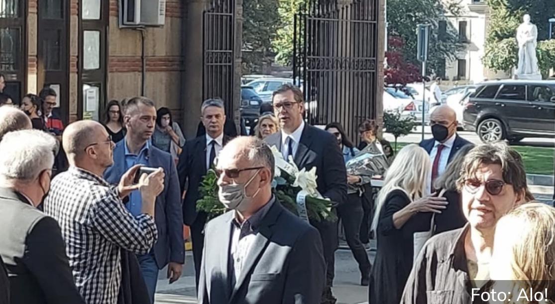 Evo šta je predsednik Vučić uradio na sahrani Ivana Tasovca (FOTO/VIDEO)