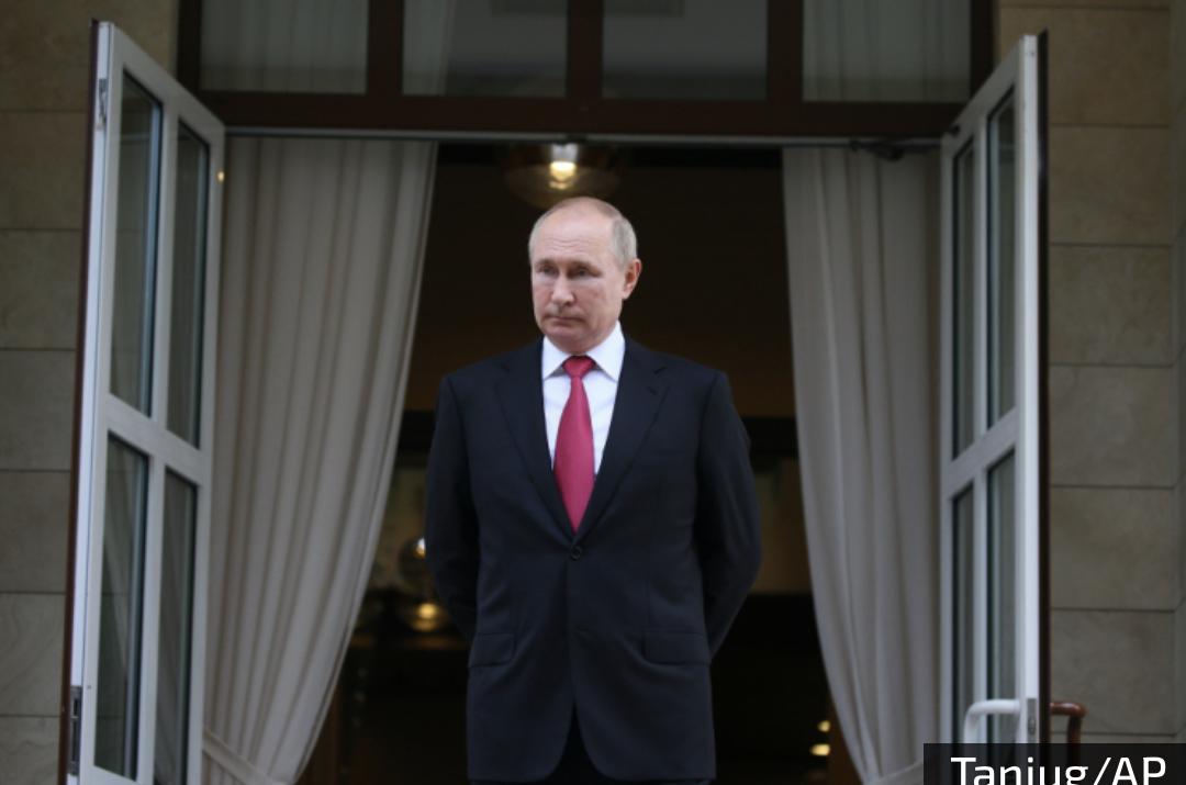PUTIN JAČA INSTITUCIJU PORODICE: Ruski predsednik uvodi NOVI praznik – Dan očeva!